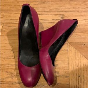 Magenta Gucci Wedges size 38.5